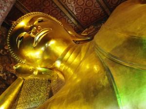 Rundreise nach Bangkok Wat Pho liegender Buddha