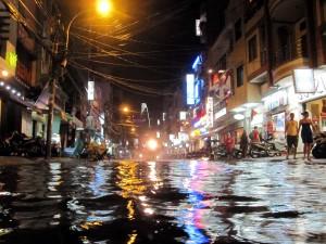 Überschwemmungen in den Straßen von Saigon